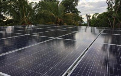 Die ersten Solarpanelen sind montiert!